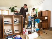 Familien stehen unter Schock: ein Einbruch lässt viele erst ein mal nicht mehr ruhig schlafen. (foto: ABUS Security Tech Germany)