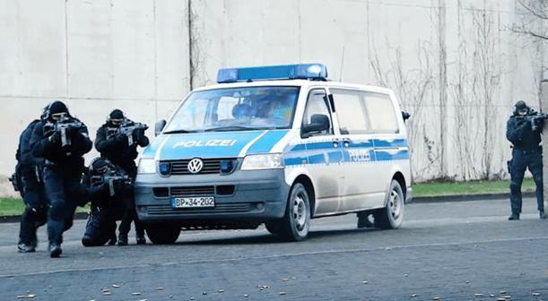 Am Bundespolizei-Standort Blumberg nördlich von Berlin wurde heute die erste deutsche Anti-Terror-Einheit BFE+ mit 50 Polizistinnen und Polizisten in Dienst gestellt. (Foto: Bundesinnenministerium)