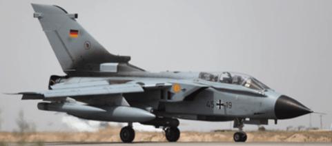 Die 6 Aufklärungs-Tornados des Luftwaffengeschwaders in Kropp/Jagel in Schleswig-Holstein müssen nachts auf der Air Base im türkischen Incirlik am Boden bleiben, weil die Piloten von den Cockpitinstrumenten geblendet werden. (Foto: Bundeswehr)