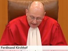 Warum sollte Bundesverfassungsrichter Professor Ferdinand Kirchhof etwas gegen das GEZ-Gesetz haben, dass sein Verfassungsrichter-Vorgänger und älterer Bruder Professor Paul Kirchhof als Gutachter für richtig erklärt hat? (Foto: Youtube/phönix)