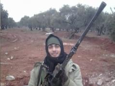 Ende 2013 verließ der Deutsche Tarik Süleymann S. (26) Bielefeld und soll für die Terrorgruppe ISIG gekämpft haben. Bei seiner Rückreise nach Deutschland wurde er am Mittwoch auf dem Frankfurter Flughafen festgenommen (Foto: Internetauftritt von Tarik Süleymann S. alias Ibn Osama al-Almany)