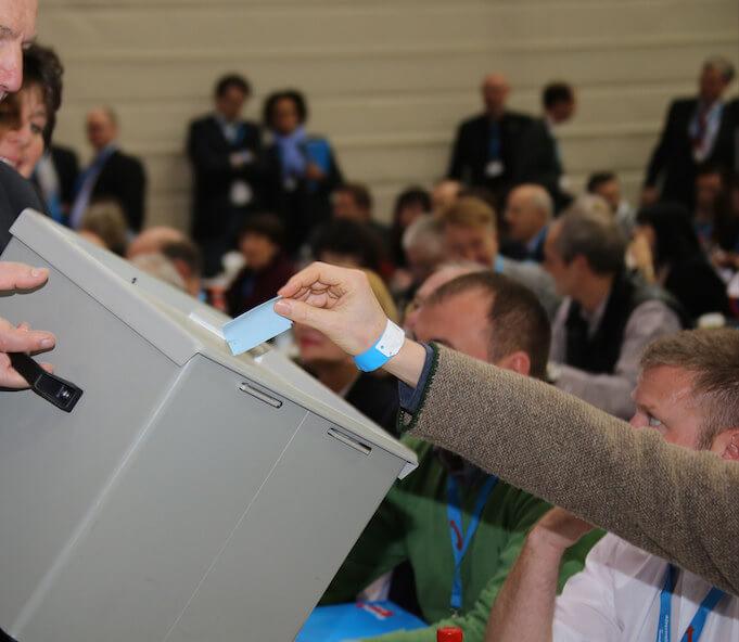 "Migranten sollen zwei Tage vor der Landtagswahl in Sachsen-Anhalt eine Probewahl abhalten. (Symbolbild: <a href=""https://www.flickr.com/photos/95213174@N08/12170605343/in/photolist-nh8nBZ-nyjZag-bD6sfs-k8TEyw-bUrkdE-bD6sDS-Aq3U6M-jxtwXa-ApVqAm-dsMb76-k8TFkG-ccShq7-bsCDv7-k8Ye9n-pJZaJv-bRHeMx-k8XFh8-fWqX8B-fSh3rn-fSfBab-fSgENy-fSfB25-fSgE9C-fSgCv9-fSfD88-fSfEfZ-niLRiX-niP6tA-nkxiKP-niP7AL-ngJqEL-ngJqiJ-qAi9q3"" target=""_blank"">Metropolico.org</a>)"