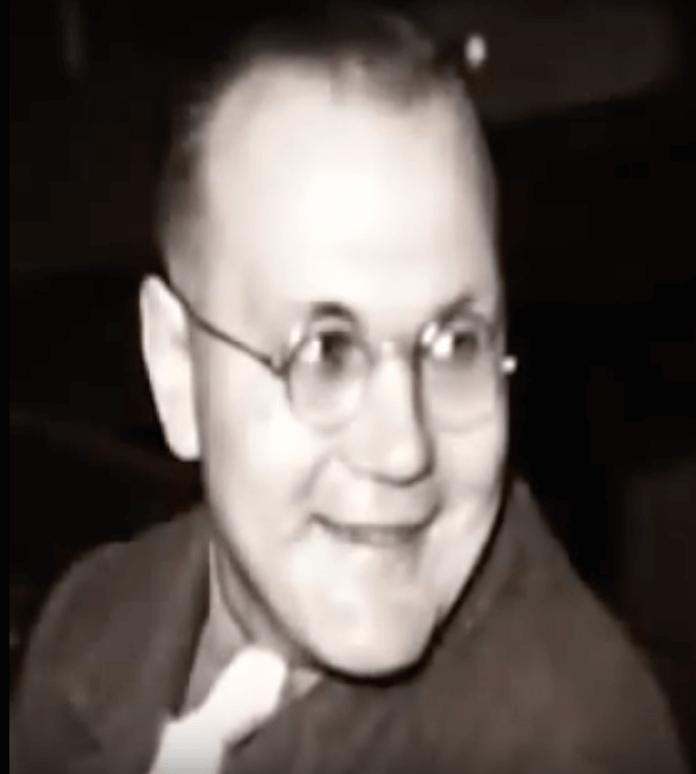 """Einer der spektakulärsten Fälle der Nachkriegszeit nach dem zweiten Weltkrieg war der des Grenzgängers, Schmugglers und Serienmörders Rudolf Pleil, der zwischen 1946 und 1947 etwa 25 Frauen mit seinen Mittätern Karl Hoffmann und Konrad Schüßler, mißbraucht und ermordet haben will, wie er in seinen Memoiren """"Mein Kampf"""" schreibt (Foto: Youtube)"""