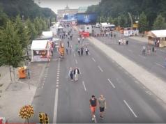 Flaute auf der Fanmeile am Brandenburger Tor auf der Straße des 17. Juni in Berlin Tiergarten seit Eröffnung der Fußball-EM in Frankreich am 10. Juni 2016 (Foto: Youtube)