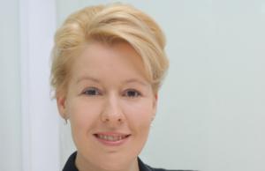 """Neuköllns Bürgermeistern Franziska Giffey (38, SPD): """"Die Lehrerin hat meine volle Unterstüzung."""" (Pressefoto Frankziska Giffey/Wikimedia)"""