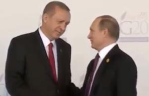 Beim G20-Treffen in Antalya am 15. November 2015 plauderten Türkeipräsident Recep Tayyip Erdogan und der russiche Präsident Walidmir Putin noch als Freunde, neun Tage später begann am 24. November 2015 mit dem Abschuss einer russischen Sucho Su-24 an der türkisch-syrischen Grenze eine Eiszeit in den Handelsbeziehungen (Foto: Youtube)