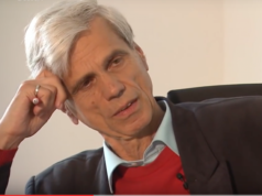 """Für den Mediziner Dr. med. Wolfgang Gedeon ist der Holocaust an 6 Millionen Juden eine """"gewissen Schandtat"""". Holcaust-Leugner verglich er mit Dissidenten. Gestern trat der AfD-Politiker im baden-württembergischen Landtag zurück (Foto: Youtube/SWR)"""