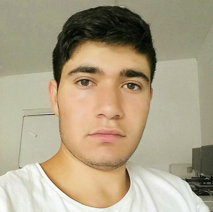 Der syrische Flüchtling Aras Bacho (18) gehört zur religiösen Minderheit der Jesiden, die vom IS versklavte und verkauft werden. Den Hass gegen Flüchtlinge im Internet hält er aus - er hat keine andere Wahl (Foto: Aras Bacho)