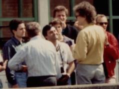 Mohammed Atta (links) als 24jähriger Bauplanungs-Student 1993 an der Uni Harburg Hamburg (Foto: Wikipedia/Dr. Ronald Kunze/CC BY-SA 3.0 de)