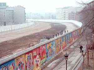 berlin-wall-1980s
