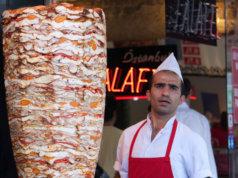 Döner, das beliebte Fast Food: Vier von fünf Dönerspieße enthalten Brät