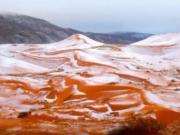 Afrika: Zum ersten mal Schnee in der Sahara seit 37 Jahren (Foto: Mary Greeley)