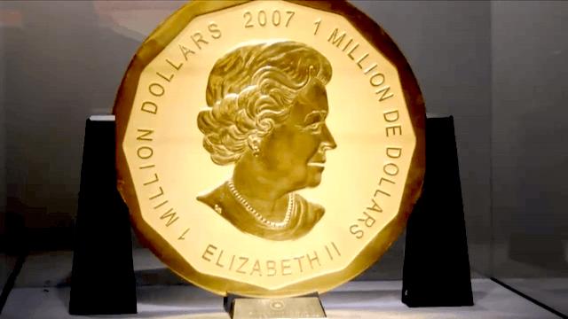 Königin Elizabeth II auf der Vorderseite der einzigartigen Goldmünze aus dem Bode-Museum. (Screenshot: YouTube)