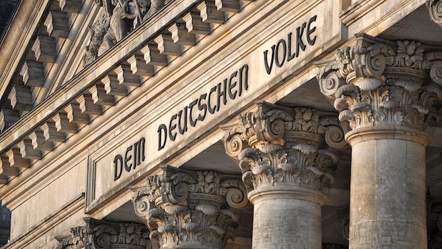 Bundestag mehr als 700 Abgeordnete