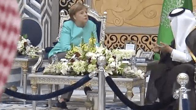 Angela Merkel besuchte am Sonntag den König von Saudi-Arabien. (Screenshot: YouTube)