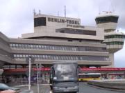 Trotz Volksentscheid halten Bundesregierung und Brandenburg an ihren Plänen fest, den Flughafen Tegel zu schließen. (Screenshot: YouTube)