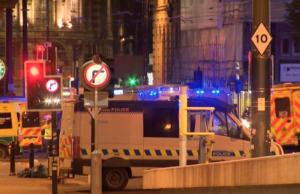 Die Polizei meldet mindestens 19 Tote bei einem mutmaßlichen Terroranschlag in Manchester. (Screenshot: YouTube)