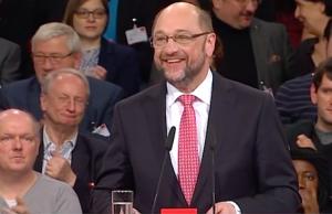 """Peer Steinbrück fragte sich nach dem Wahlergebnis von 100 Prozent für Martin Schulz: """"Steht da jetzt Erich Schulz-Honecker?"""" (Screenshot: YouTube)"""