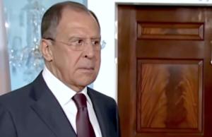 Sergei Lawrow widerspricht Berichten von US-Medien, Donald Trump habe Russland amerikanische Staatsgeheimnisse verraten. (Screenshot: YouTube)