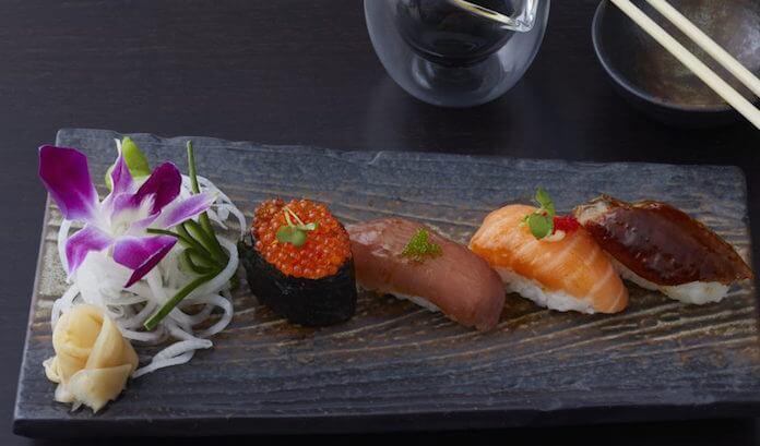 Ab 6 Personen bietet Sebastian Hamester auch siebenstündige Sushi-Kochkurse mit Verkostung an, Preis pro Person: 120 Euro, Foto: Strandhotel Fontana