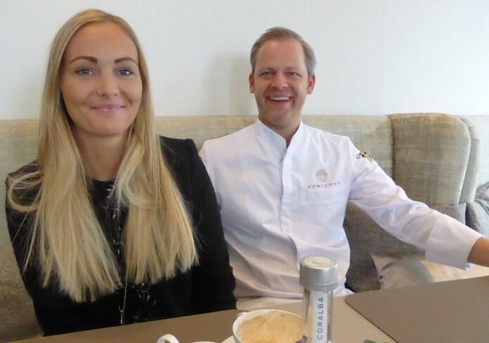 """Junior-Chefin Julia Hemester lässt im Hotel die Zeit still stehen. Ihr Mann Chefkoch Sebastian lässt bei den Gästen vor Staunen die Kinnlade herunterklappen. Einen Stern bekam er nocht nicht. Dem Berlin Journal sagte er bescheiden: """"Ich koche nicht für Kritiker, sondern für die Gäste."""""""