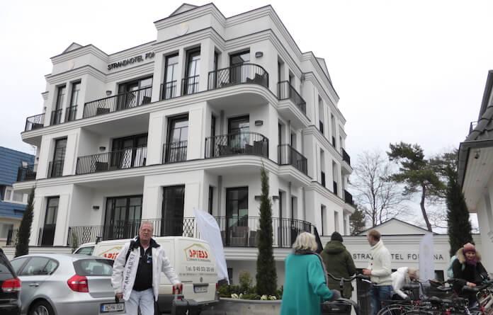 Eine neue Perle an der Strandallee 47 am Timmendorfer Strand: das nach 7 Jahren fertige Hotel Fontana (Foto: Berlin Journal)