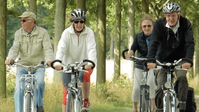 Heute geht es den Rentner in Ostdeutschland relativ gut. (Screenshot: YouTube)