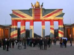 Britische Flagge erstrahlte auch schon nach einem Terroranschlag im März auf dem Brandenburger Tor. (Screenshot: YouTube)