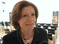 Malu Dreyer (SPD) fordert einen schnelleren Familiennachzug. Kinder müssten mit ihren Eltern zusammenleben können. (Screenshot: YouTube)