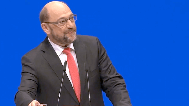 Martin Schulz ist der Ansicht, dass Deutschland nicht den Deutschen gehört, er will nicht die Macht übernehmen und er findet die Medien nicht volksfeindlich. (Screenshot: YouTube)
