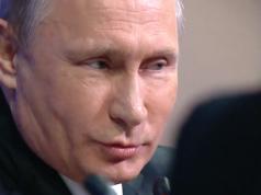 Russlands Präsident Putin zieht Parallelen zwischen der anhaltenden Anti-Russland-Hysterie in den USA und dem Antisemitismus. (Screenshot: YouTube)