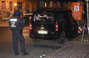 Rigaer Straße Erneut vier Fahrzeuge stark beschädigt
