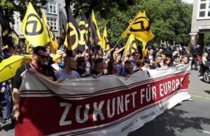 Sitzblockade stoppt Identitäre Demonstration
