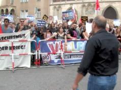 AfD-Kandidat Peter Boehringer hat der Antifa in Regensburg eine Rede gehalten. (Screenshot: YouTube)