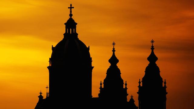 Die Kirchenchefs rätseln über die Gründe für die vielen Kirchenaustritte im Jahr 2016.
