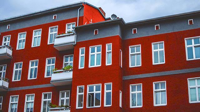 In Berlin steigen die angebotenen Kaltmieten deutlich schneller als im Bundesdurchschnitt.