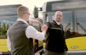 Die BVG macht ihre Busse und Straßenbahnen schneller. (Screenshot: YouTube)