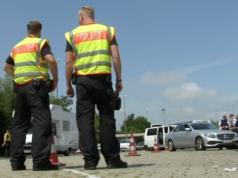 Die Bundespolizei dokumentiert die Erfolge der Grenzkontrollen zum G20-Gipfel. Doch Bundesinnenminister Thomas de Maizière will den Bericht unter Verschluss halten. (Screenshot: YouTube)