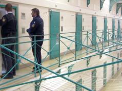 Immer mehr Zellen sind doppelt belegt. In den deutschen Gefängnissen drohen Nafri-Gefängnisrevolten. (Screenshot: YouTube)
