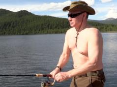 Präsident Wladimir Putin gönnte sich letzte Woche einen kurzen Urlaub, während Russlands Wirtschaft weiter wuchs. (Screenshot: YouTube)