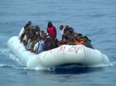 Da die illegale Migration zu gefährlich ist, öffnet die EU-Kommission einen legalen Weg, um Afrikaner nach Europa zu holen. (Screenshot: YouTube)