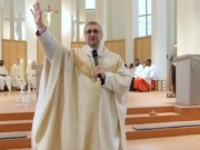 Erzbischof Stefan Heße fordert einen leichteren Familiennachzug für Flüchtlinge. (Screenshot: YouTube)