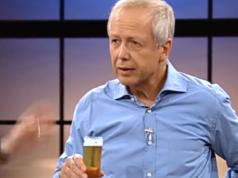 WDR-Chef Tom Buhrow steht zu seinem Gehalt in Höhe von 399.000 Euro pro Jahr. (Screenshot: YouTube)