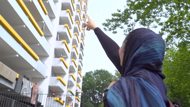Unter anderem zahlen Berlins Bezirke den Flüchtlingen, sobald diese ein Bleiberecht haben, auch ihre Wohnungen. (Screenshot: YouTube)