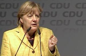 Unter Angela Merkel stürzen CDU und CSU in der aktuellen Emnid-Wahlumfrage weiter ab. (Screenshot: YouTube)