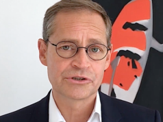 Unter dem Senat von Michael Müller können sich illegale Ausländer in Berlin sicher fühlen. Denn Abschiebungen finden kaum statt. (Screenshot: YouTube)