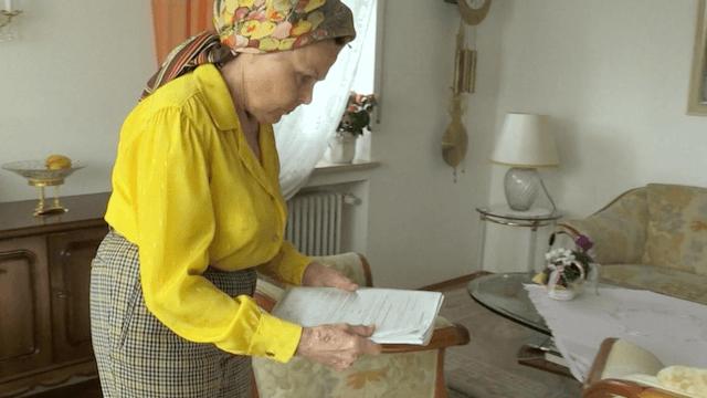 Die Rentnerin Ingrid Millgramm hat aus Hunger Lebensmittel geklaut. Nun muss sie für 90 Tage in den Knast. (Screenshot: BR)