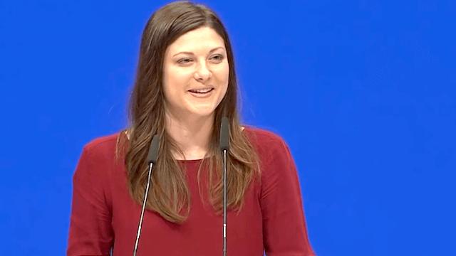Die Jusos fordern, dass mit Johanna Uekermann eine noch relativ junge Frau in die SPD-Spitze gewählt wird. (Screenshot: YouTube)