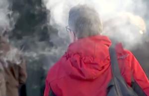 Die Berliner S-Bahn hat das generelle Rauchverbot auf Bahnsteigen zurückgenommen. (Screenshot: YouTube)
